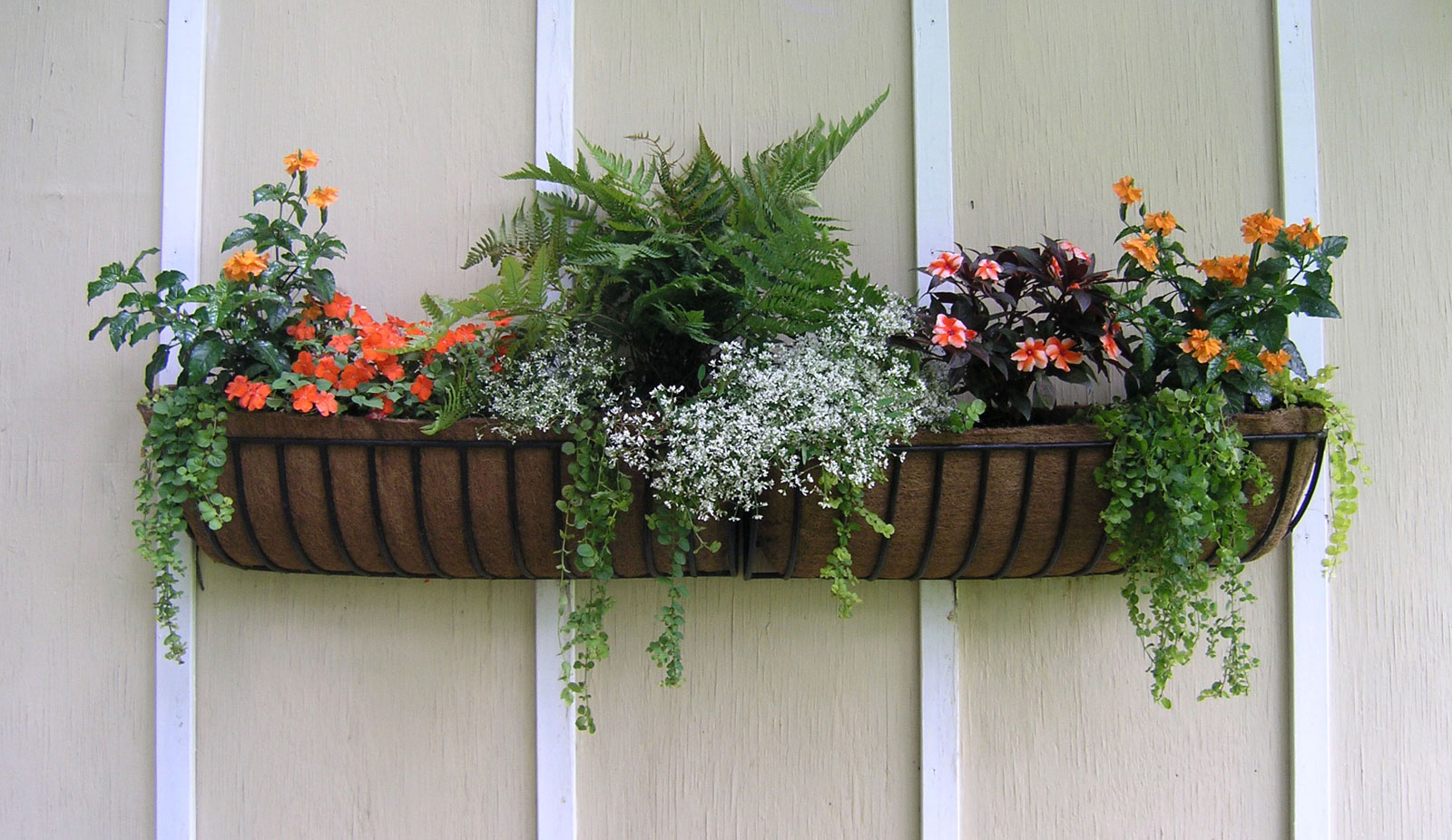 Fastenings for balcony boxes for flowers. Their types and proper arrangement