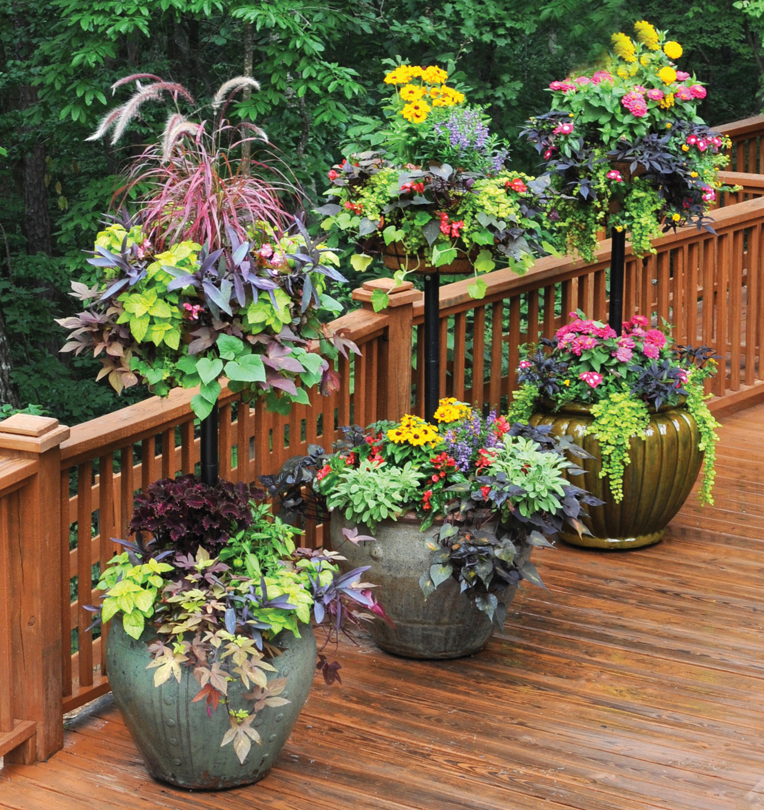 Basket column for large pots for use with pamela crawford for Large garden planter ideas