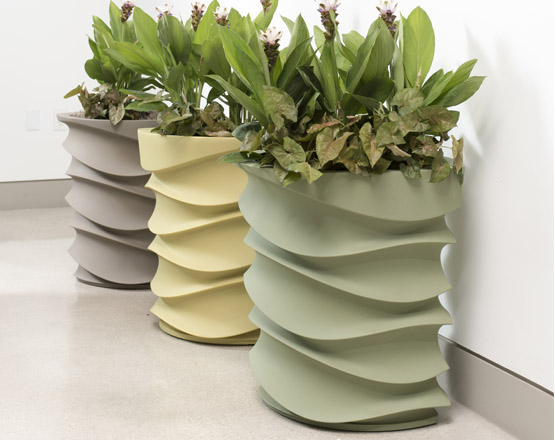 The Eye Am Planter Is A Contemporary Oval Planter From