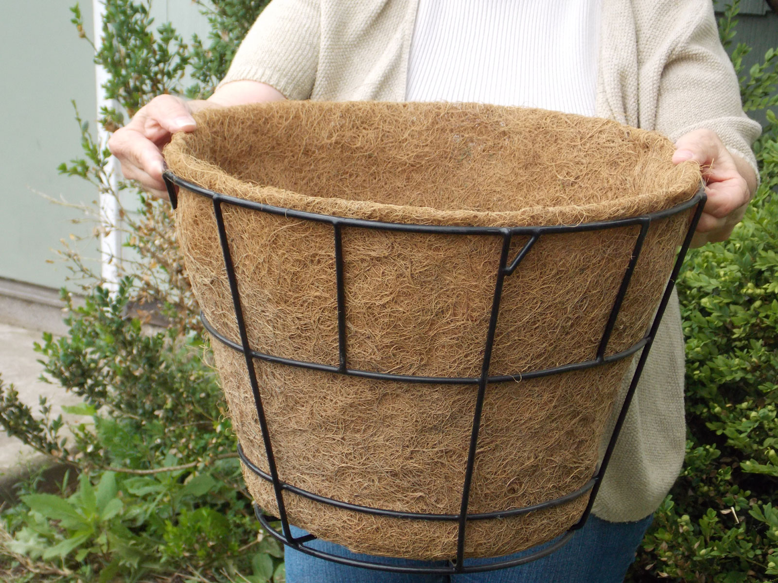 Molded Coco Liner to fit Tapered Basket w/ Flat Bottom - 14\