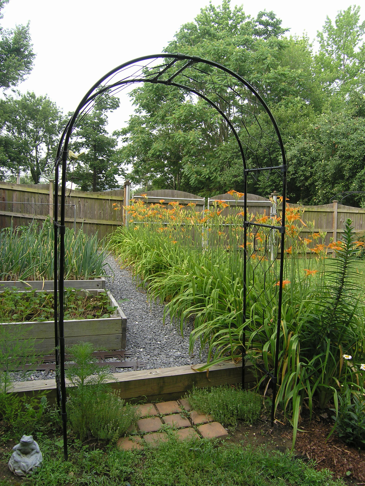 Round Garden Arches Crafted From Steel 4ft Thru 12 Ft