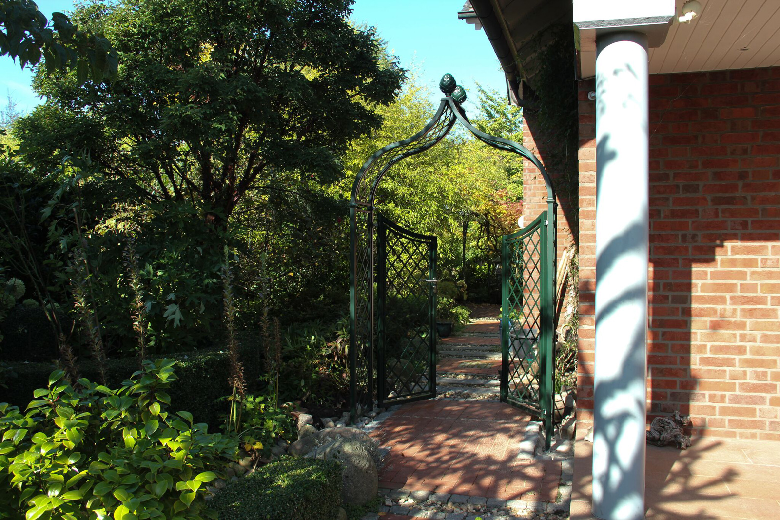 Brighton Arch With Planters Gates Amp Fencing Options