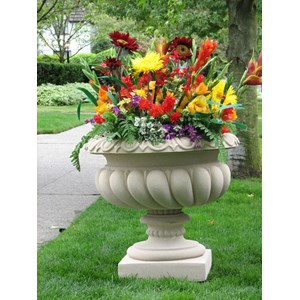 Vulliamy - cast stone urn planter - Creme