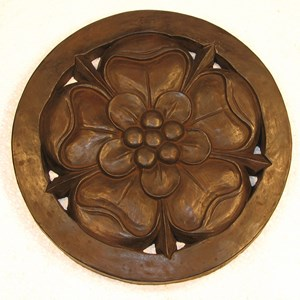 Tudor Rose Step Stone in Dark Walnut