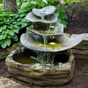 Giant Leaf Fountain - Shown in Relic Hi-Tone (RH)