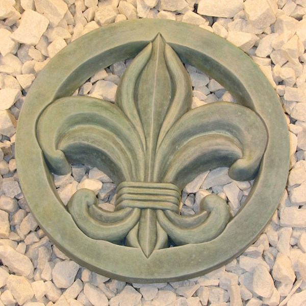 Fleur de Lis Step Stone in Copper Patina
