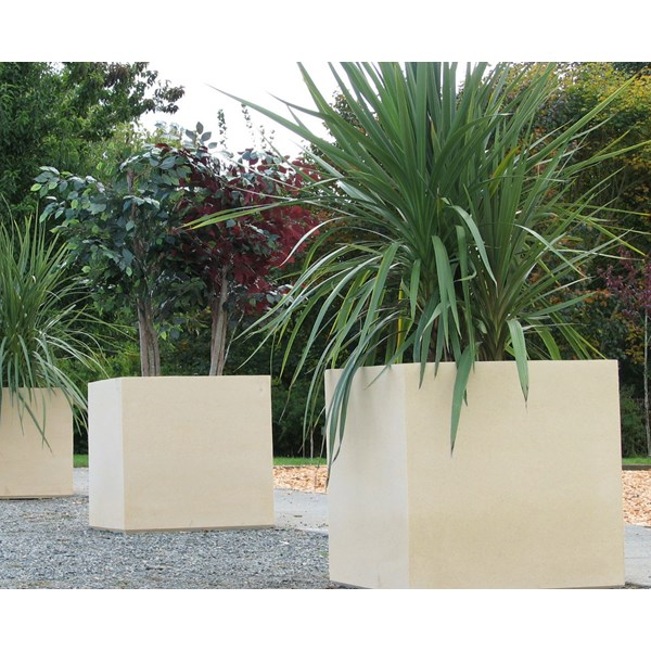 Warwick planters in Tan