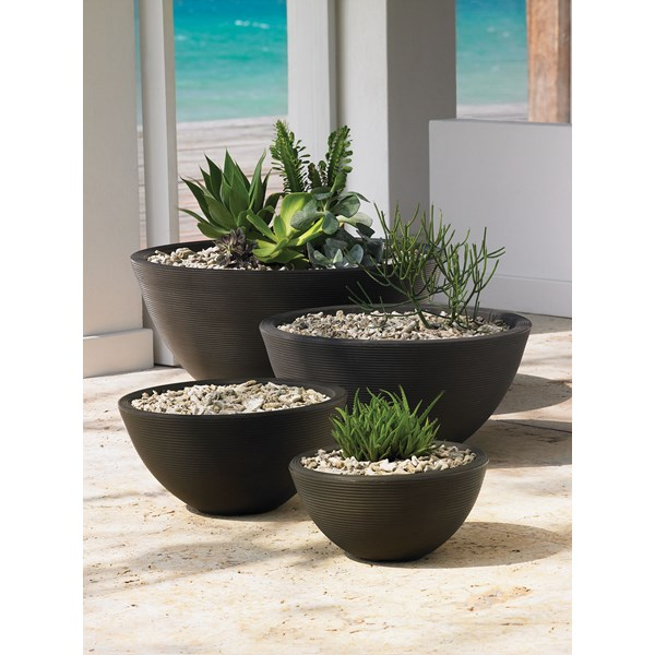 Delano Family of lightweight resin planters - Old Bronze