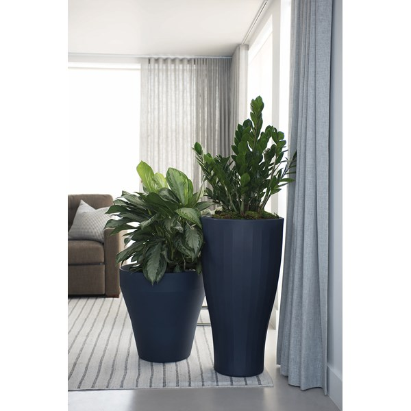 Cup & Rim TruDrop Planters in Midnight