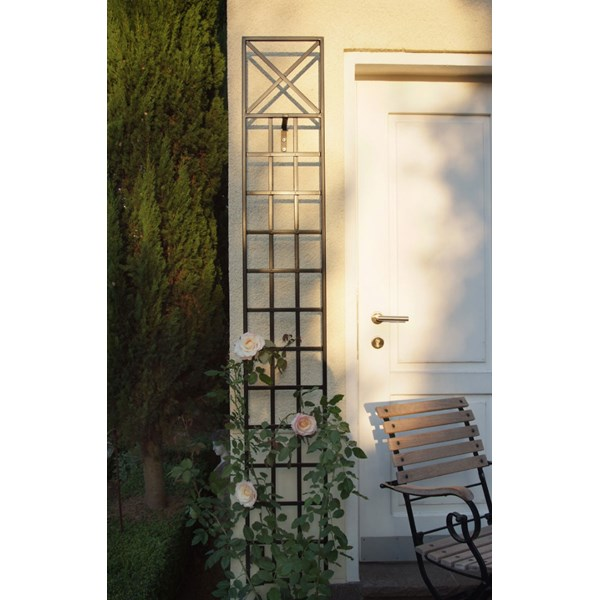 Narrow Wall Trellis - Classic Garden Elements